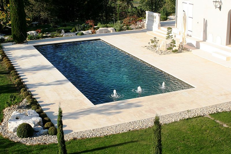 Amenagement tour de piscine top piscine extrieur u photos for Piscine tours